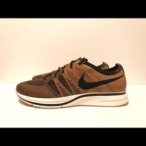 Nike Mens Flyknit Trainer Golden Beige Black